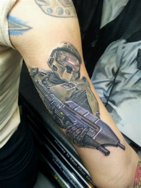 master chief tattoo 25 best ideas about halo on halo halo