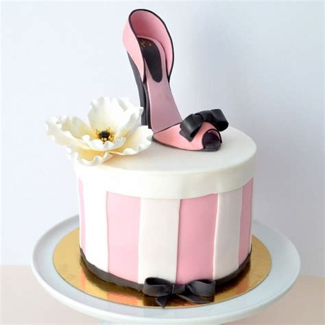 high heel shoe cakes pictures 39 best images about kick in shoe cakes on