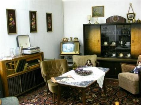 wohnzimmer 50er gebrauchte sofas kaufen antikes sofa in flieden polster