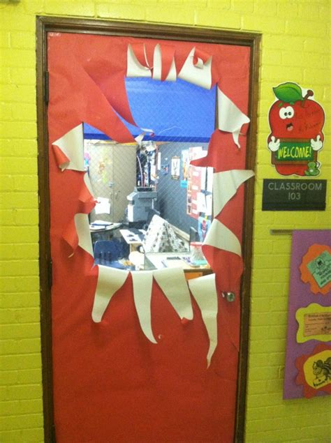 decorate a door for christmas contest thirkell teachers spread cheer with door decorating contest detroit schools
