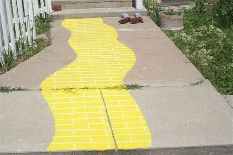 yellow paint sles wizard of oz party checkout my wizard of oz party supplies