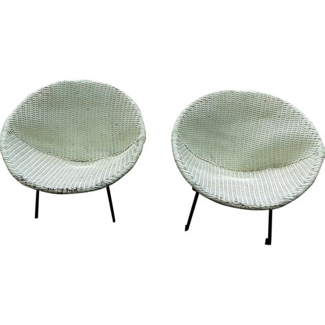 Sphere Chairs by Ginchiest Mid Modern C 1950 S Patio Sphere Chairs