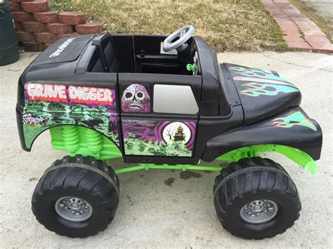 grave digger monster truck power wheels monster truck grave digger power wheels new battery and