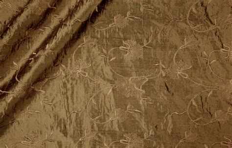 How To Clean Silk Upholstery by Cleaning Silk