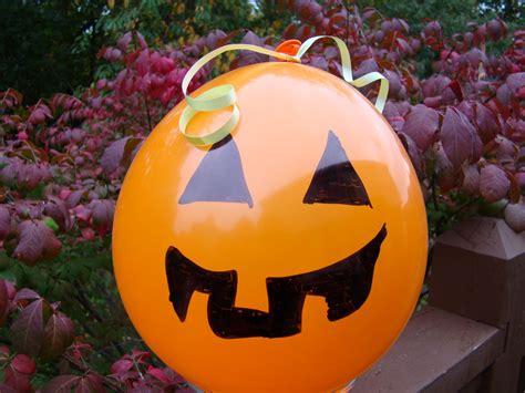 decorar globos para halloween decoracion con globos para halloween imagui