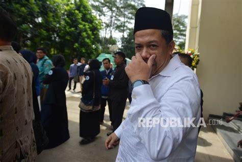 biodata fahri hamzah wakil ketua dpr wakil ketua dpr resmikan posko pengaduan pansus angket kpk