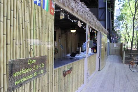 Tiki Hut Chicago Tiki Bar Booze Cruise To Open On Chicago Riverwalk