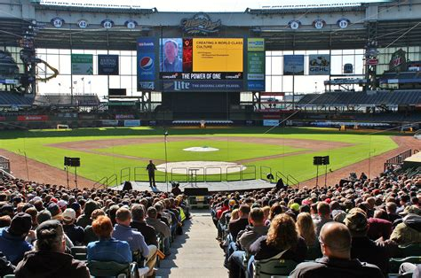 miller park seating view miller park events event venues seating bowl concourses