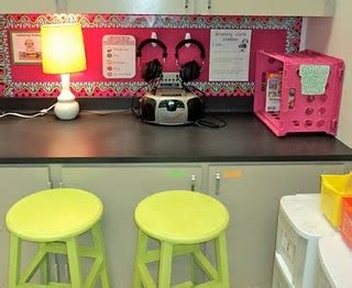 cute classroom inspiration whitney kelly from carlisle 22 best listening center images on pinterest