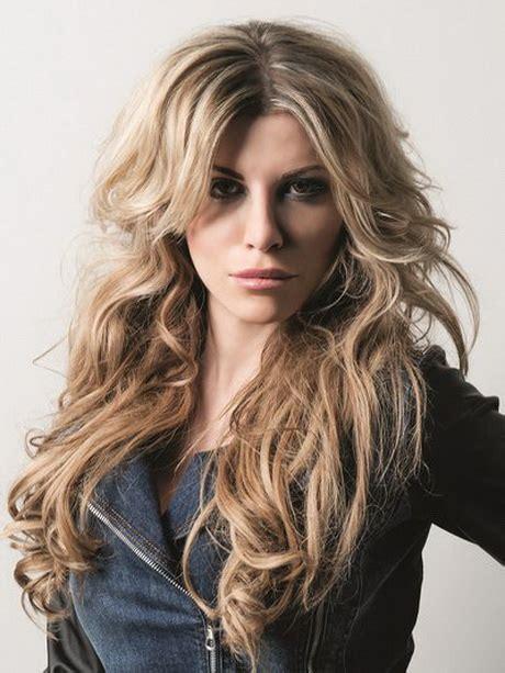 blonde haare mit dunklen straehnchen