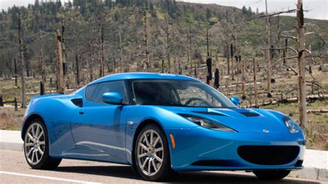 first drive 2010 lotus evora delivers performance civility and little concession autoblog
