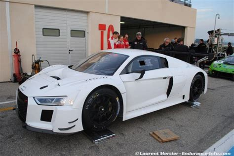 2016 Audi R8 LMS photographed without livery graphics (3)
