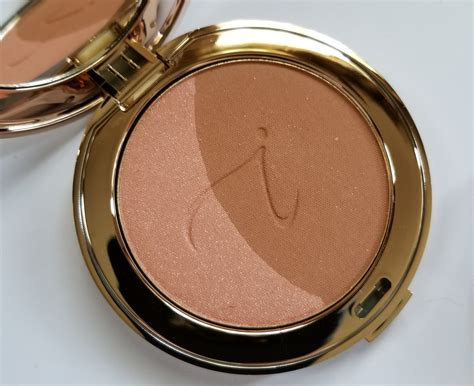 Powder Ms Glow By Cantikskincare review photos swatches makeup trend 2017 2018 2019 iredale bronzing powder