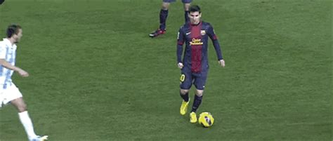 imagenes con movimiento de jugadas de futbol gif de messi