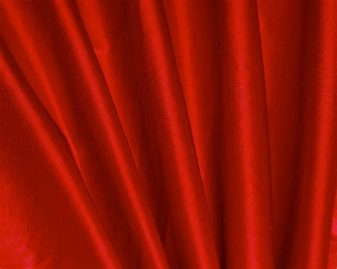 red swatch scarlet red silk taffeta swatch dreamdrapes com
