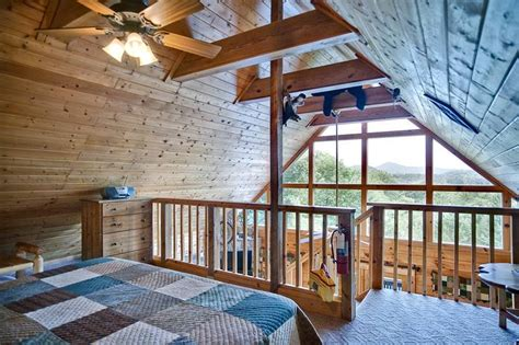 one bedroom cabin in gatlinburg bear pause 1 bedroom cabin in gatlinburg tn