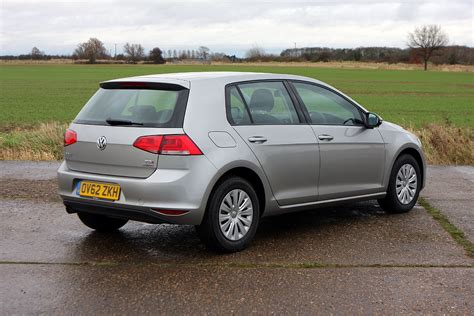 volkswagen golf volkswagen golf hatchback 2013 photos parkers