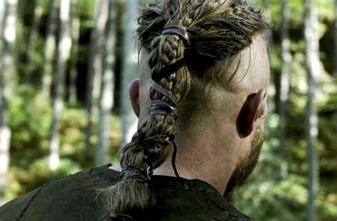 ragnar lodbrok hairstyle travis fimmel as ragnar lodbrok back hair pinterest