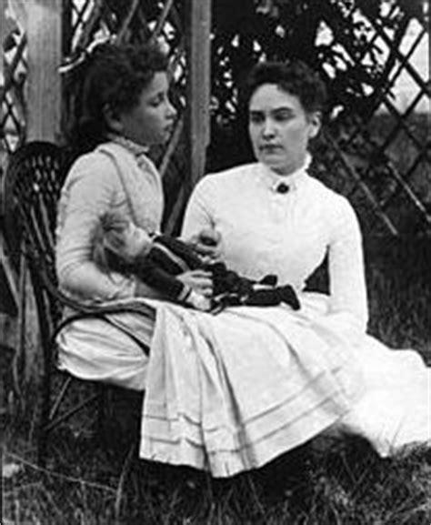 Ducksters Biography Helen Keller   facts about helen keller