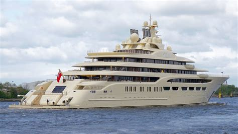 who owns the biggest boat in the world the top 5 largest private yachts in the world