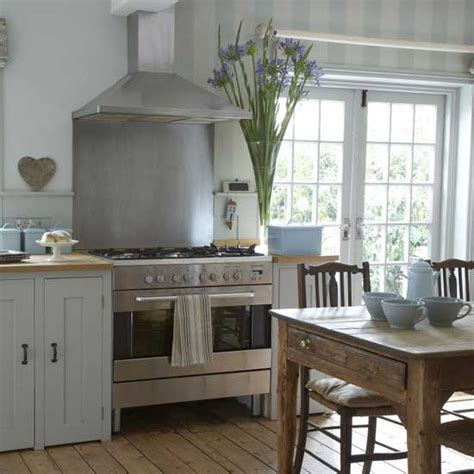 Farmhouse Kitchen Ideas Photos by Gemma Moore Kitchen Design Modern Farmhouse Kitchens