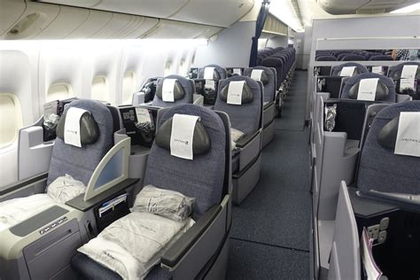 """United 777-200 Business Class (W/Awesome """"Grandmas"""") In 10 ... United Airlines 777 Interior"""