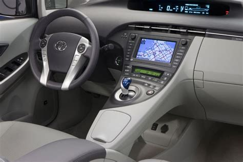 old car owners manuals 2011 toyota prius instrument cluster hybridcars com gets 75 3 mpg in 2010 toyota prius