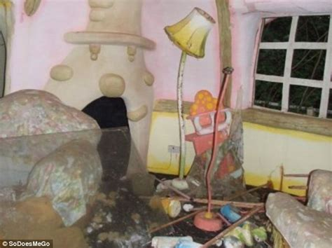 Toaster Pink Pictured The Abandoned Ruins Of Mr Blobby Theme Park