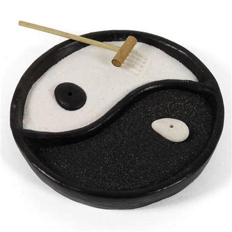 yin yang garten yin yang zen garden the hippy clothing co