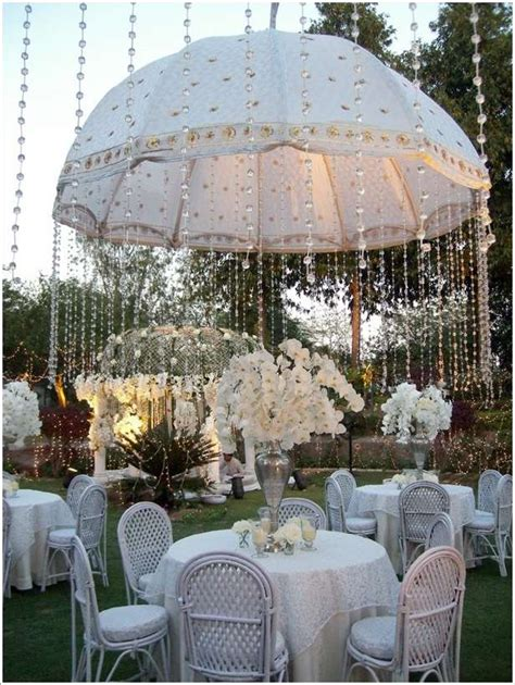 5 Amazing Wedding Decor Ideas with Umbrellas