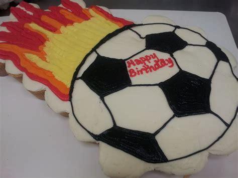 Soccer Ball Pull Apart Cupcake Cake Kids  Ee  Birthday Ee   Cakes