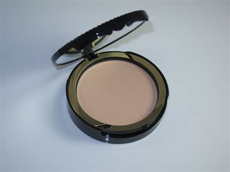 Faced Cocoa Powder Foundation faced cocoa powder foundation review swatches