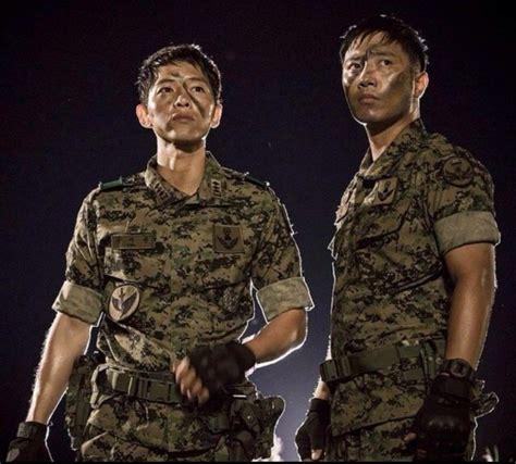 wallpaper animasi tentara koleksi wallpaper dan poster descendantsofthesun