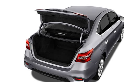 nissan altima 2016 trunk 2016 nissan sentra refreshed looks more like altima and
