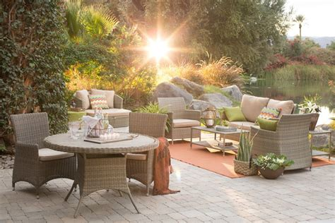 24 Transitional Patio Designs Decorating Ideas Design Outdoor Furniture Design Ideas