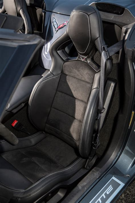 Sale Sentet C8 Nyala Putih looking for pictures of competition black seats with suede inserts yellow exterior