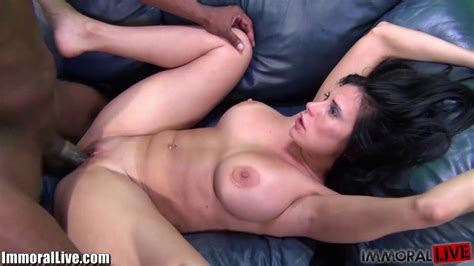 Throated Hot And Curvy Mature Latina Fucked By A Huge