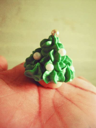 royal icing christmas tree by momentomori08 on deviantart