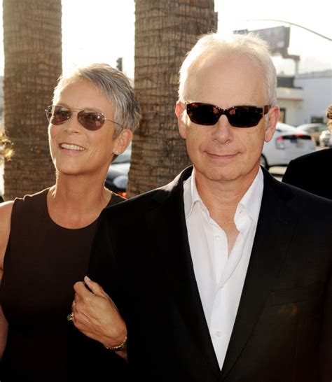 jamie lee curtis with husband christopher guest pictures premiere of warner bros