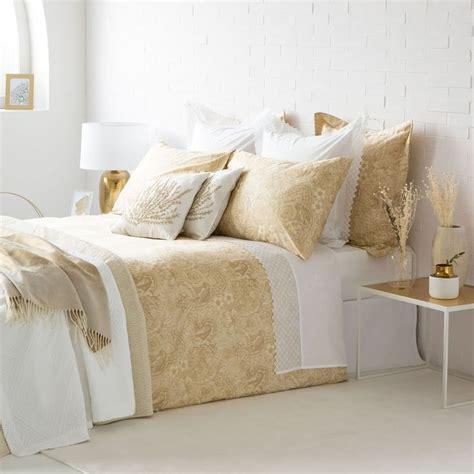 cojines de cama 8 formas de colocar cojines en la cama
