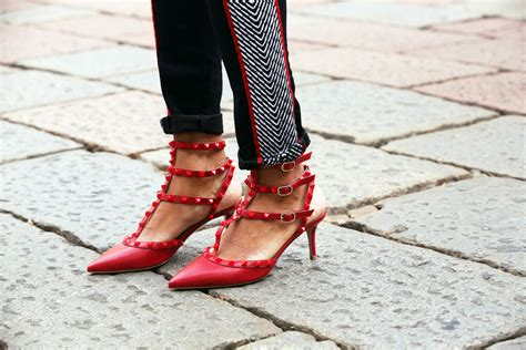 Ready Valentino Snakers Pria Mirror Quality 3 the muse valentino rockstud pumps