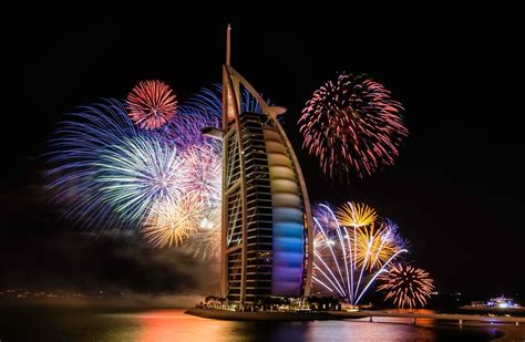 new year in year 2015 stunning ways the world rings in 2015 happy new year