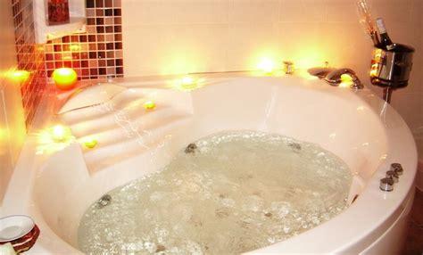 hoteles con jacuzzi en la habitacion en valencia hoteles con jacuzzi en la habitaci 243 n en castell 243 n suites