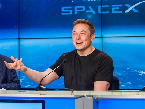 elon musk internet service key government figures are backing spacex s plan to