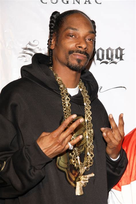 snoop dogg bathtub the 10 highest paid rappers of 2011 celebrity net worth