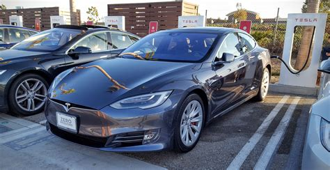 The New Tesla Model S Tesla Model X Already 8 Large Luxury Suv In Us Model S