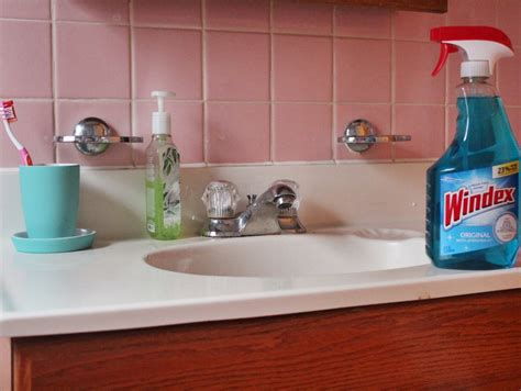 Cleaning Granite Countertops Windex by Cleaning Made Easy With Windex 174 Simply Sinova