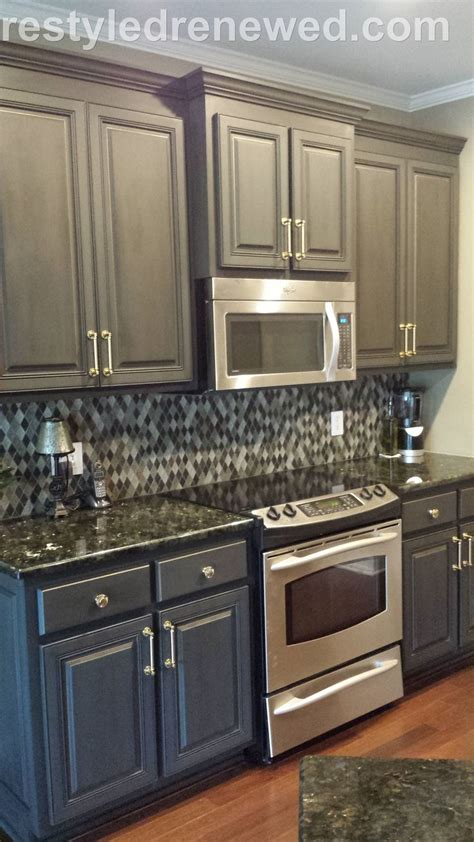 waxing kitchen cabinets annie sloan chalk paint in graphite dark wax i added a