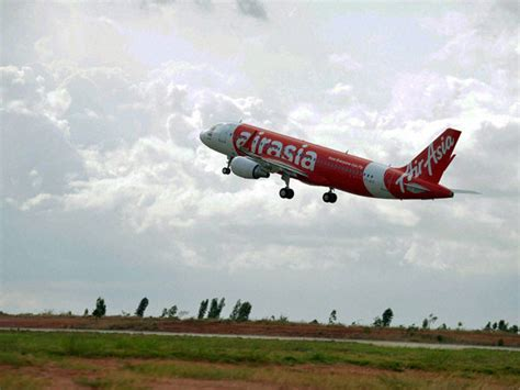 agoda airasia airasia india starts ops with bangalore goa flight