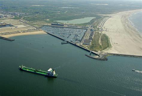 ijmuiden seaport seaport marina ijmuiden in velsen ijmuiden netherlands